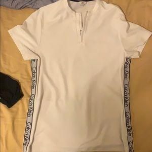 Calvin Klein T-shirt zip up